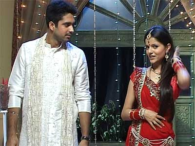 How Will Kanha Manage The First Night With Dev