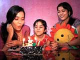 Neha Saxsena Celebrates her Birthday with India-Forums